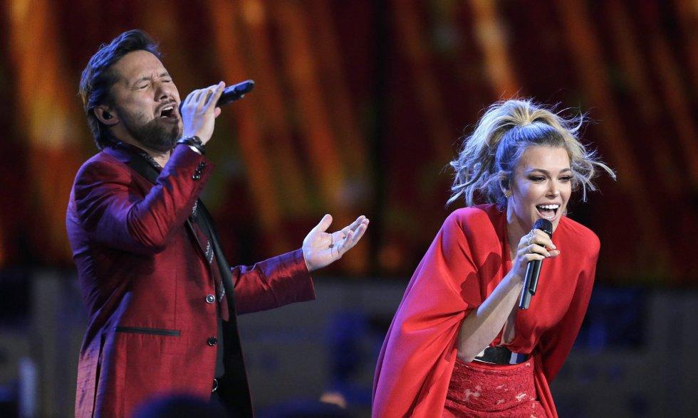 Diego Torres y Rachel Platten.