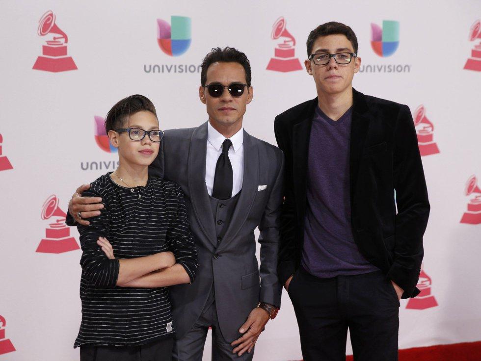 Ryan Adrian Muniz, Marc Anthony y Cristian Marcus Muniz.