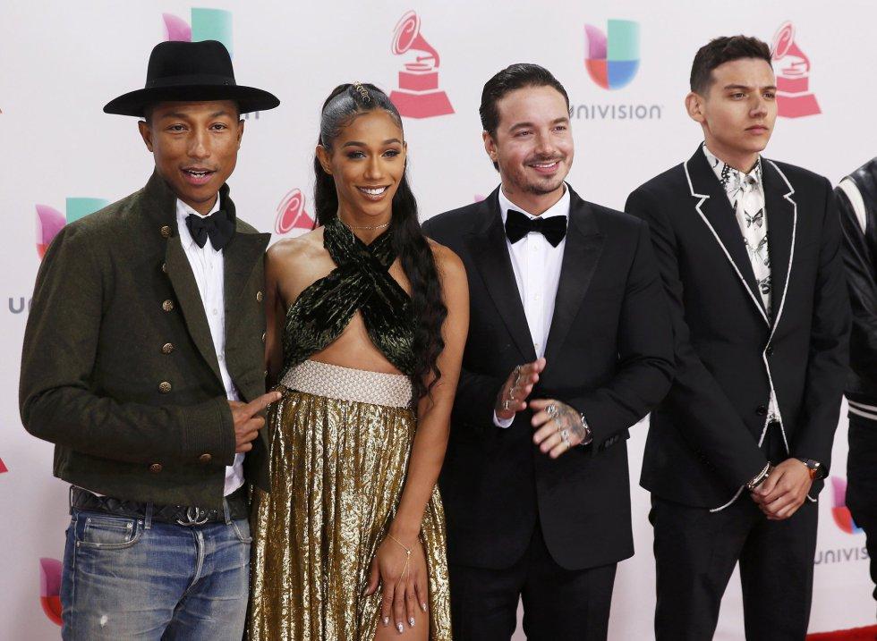 Pharrell Williams, BiA, J Balvin, y Sky.