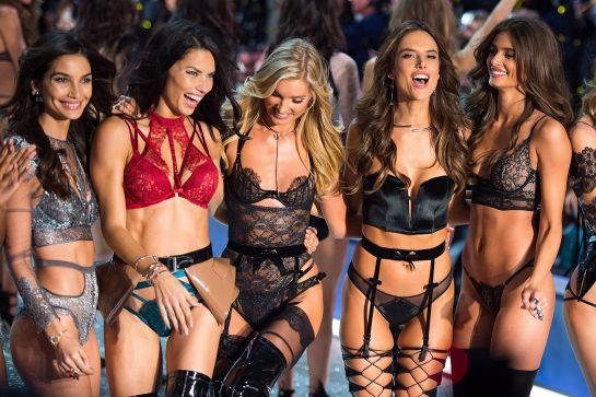 El desfile de Victoria s Secret enseña el sujetador más caro del ... 2aaef118d7f2
