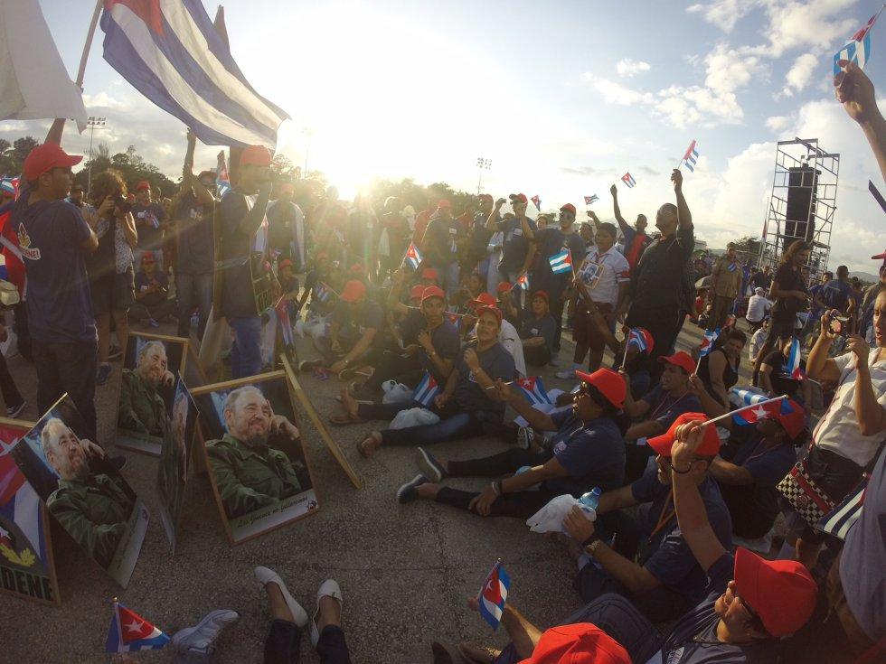 La Plaza de la revolución despide a Fidel Castro.