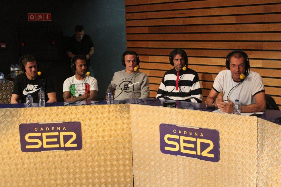 Raúl Lizoain, Viera, Roque Mesa y Valerón, en el programa de El Larguero en Las Palmas