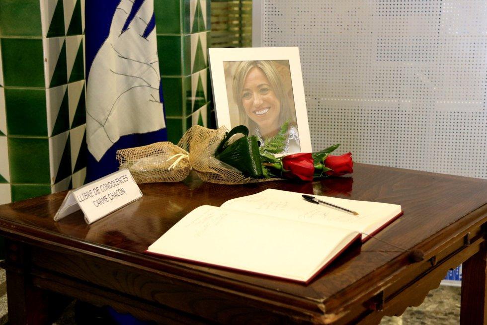 Llibro de condolencias en el Ayuntamiento de Esplugues de Llobregat.