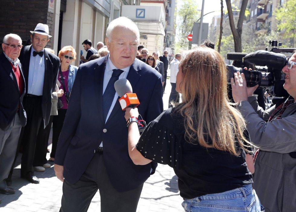El exministro de Exteriores Miguel Ángel Moratinos a su llegada a la sede del PSOE
