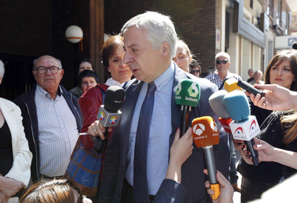 El exministro de Fomento del gobierno socialista José Blanco despide a Carme Chacón