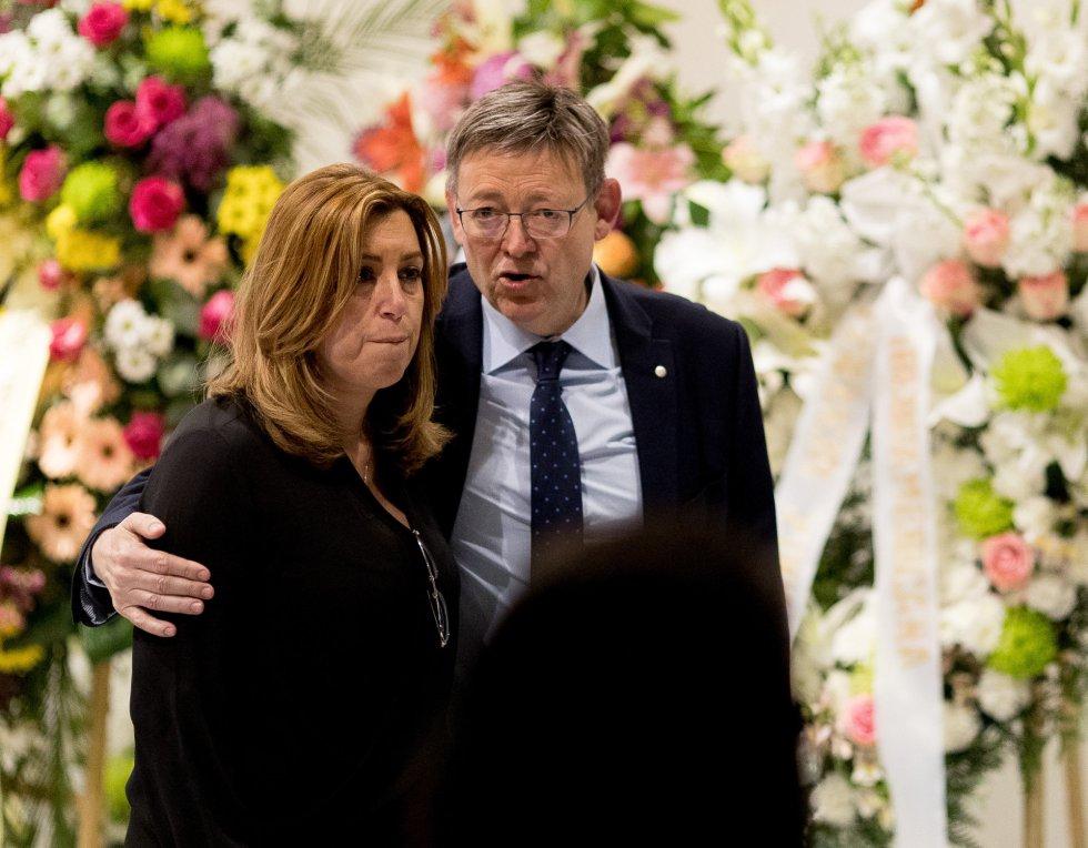 Susana Diaz y Ximo Puig en la capilla ardiente de Carme Chacón