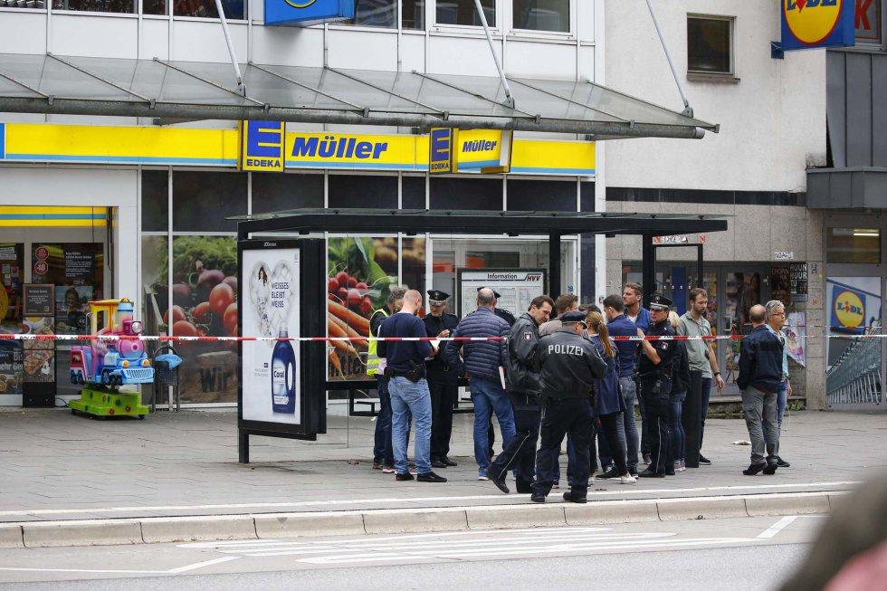 Fuerzas de seguridad en el lugar del atentado.
