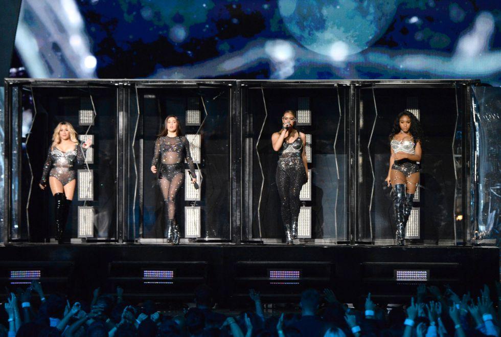 Actuación de Fifth Harmony durante los premios MTV Video Music Awards 2017 en el Forum de Inglewood, California.