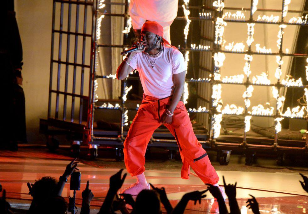 Actuación de Kendrick Lamar durante los premios MTV Video Music Awards 2017.