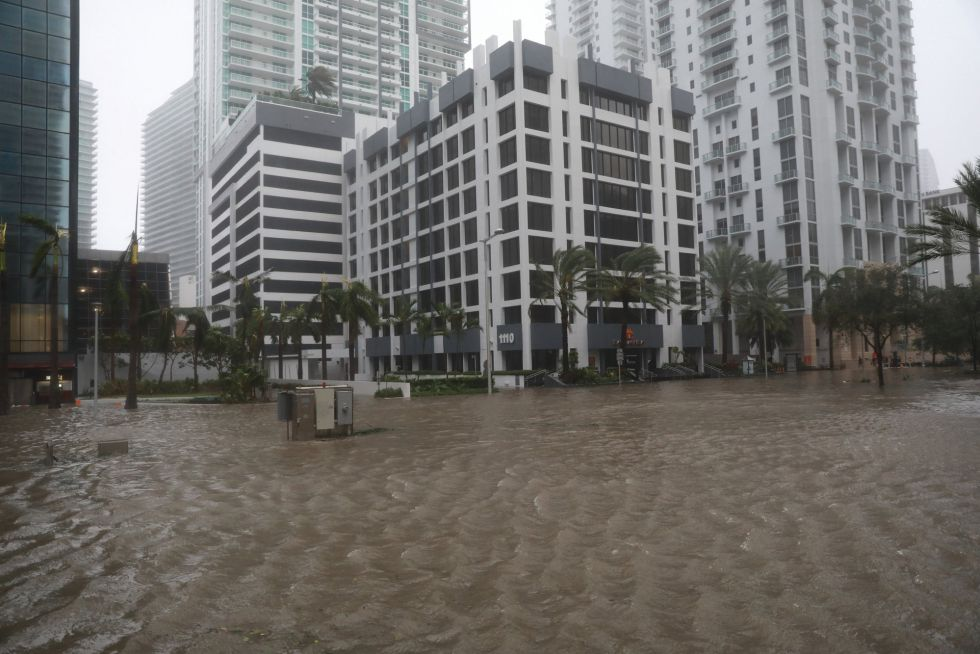El barrio de Brickell inundado tras el paso del huracán Irma en Florida, EEUU.