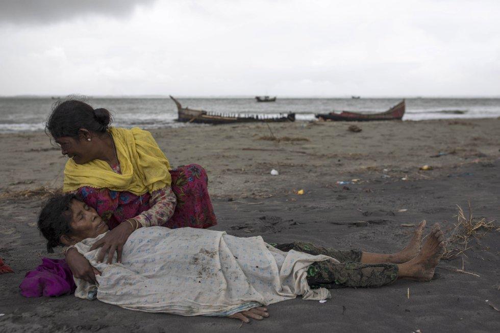 Campos de refugiados en Bangladesh acogen 380.000 rohinyás que huyen de Birmania.