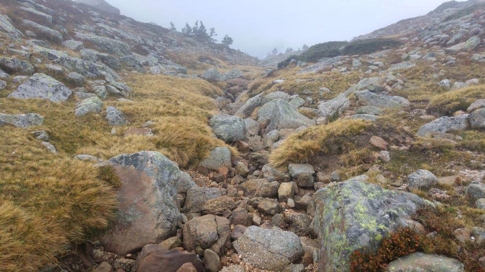 Vista del nacimiento del río Duero, en los Picos de Urbión, completamente seco.