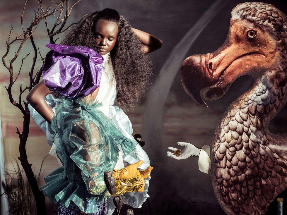 Duckie Thot como Alicia