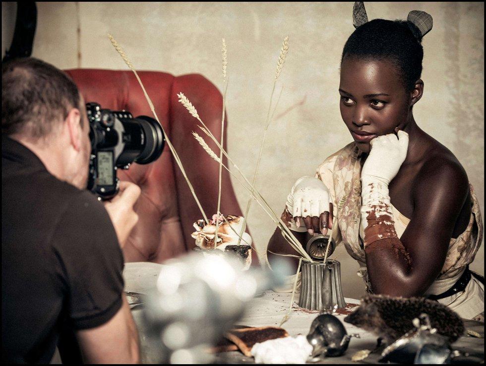 Lupita Nyong'o como The Dormouse