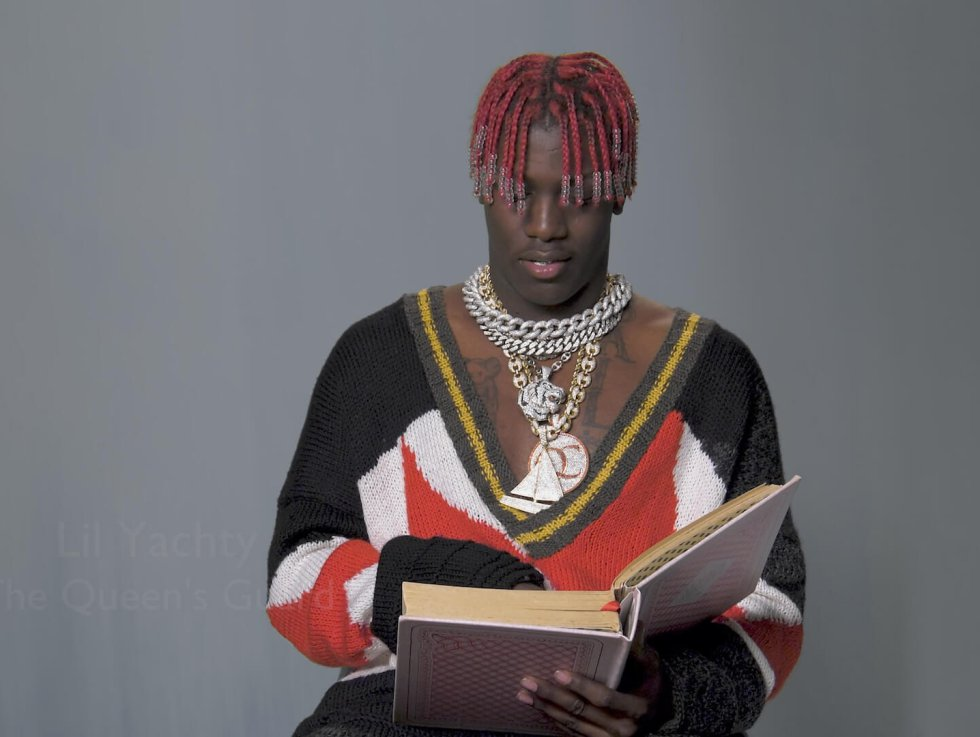 Lil Yatchy como The Queen's Guard