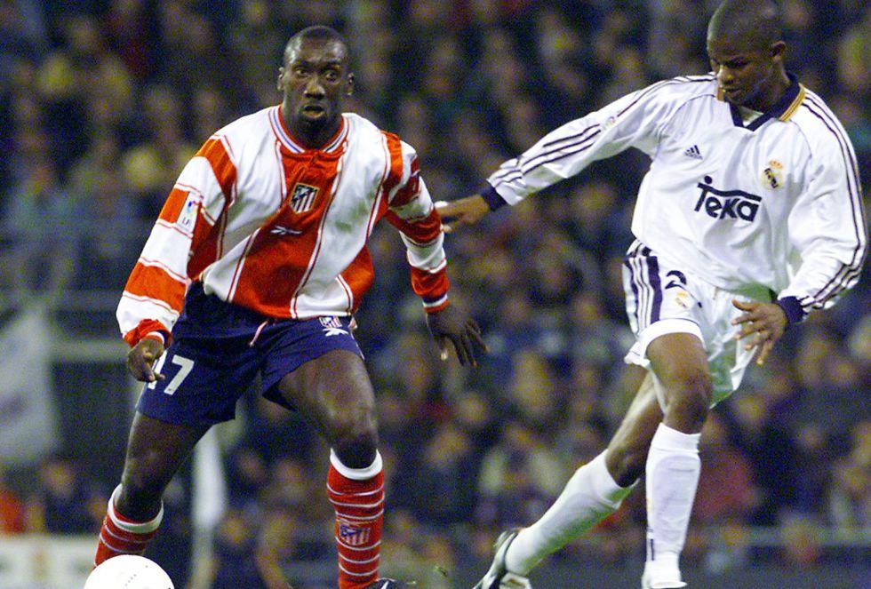 Hasselbaink marcó dos goles y dio una asistencia en la victoria del Real Madrid en octubre de 1999. Fue la primera victoria colchonera en el Bernabéu desde 1991. Ese año el Atlético acabó descendiendo a Segunda.