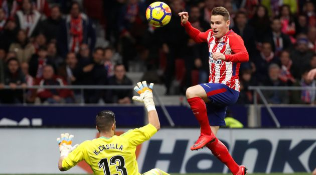 Gameiro pudo decidir el derbi en la recta final