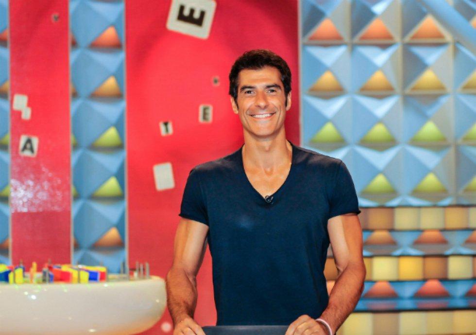 En 2006 Antena 3 confió en él para presentar el regreso de 'La ruleta de la suerte', programa que presenta ininterrumpidamente desde entonces y le ha valido para dar el salto como conductor de otros formatos de la casa, así como un premio Ondas 2008 a mejor presentador.