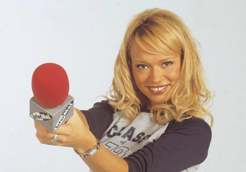 Como otros muchos, Patricia Conde inició su carrera como modelo y en 1999 se presentó a Miss España por Palencia, aunque no llegó a ganar el certamen. Poco después saltaba a la televisión de la mano de 'El informal', programa de Telecinco encabezado por Florentino Fernández.