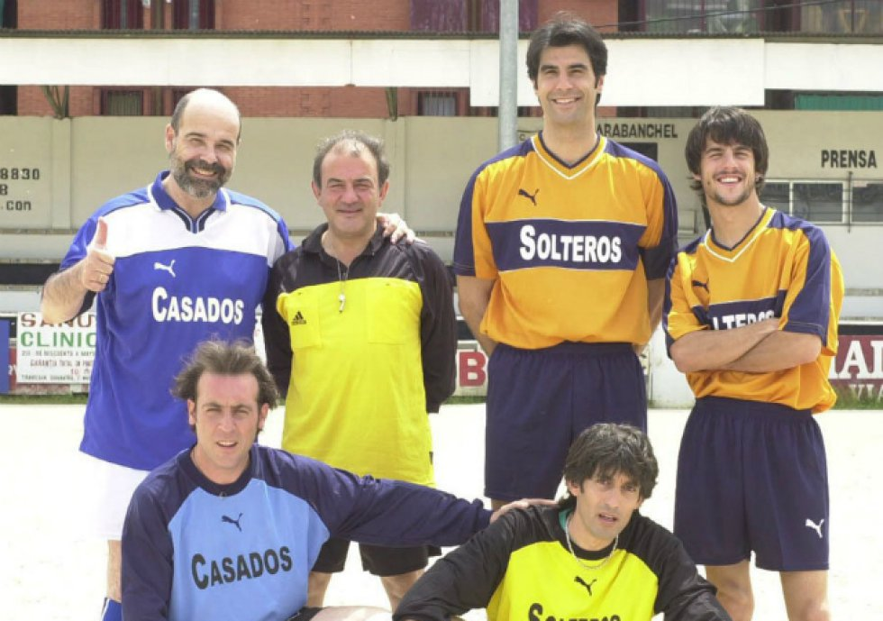 Nada más ganar el título, Fernández comenzó a dar sus primeros pasos en la televisión con apariciones como presentador y actor. Más concretamente, participó en la primera temporada de Los serrano, donde interpretó al hermano de Candela (Nuria González).