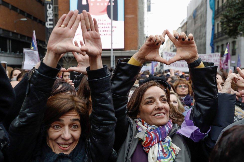La directora del 'Hoy por hoy', Pepa Bueno, durante la lectura del manifiesto contra el machismo en el periodismo que han firmado miles de informadoras españolas.
