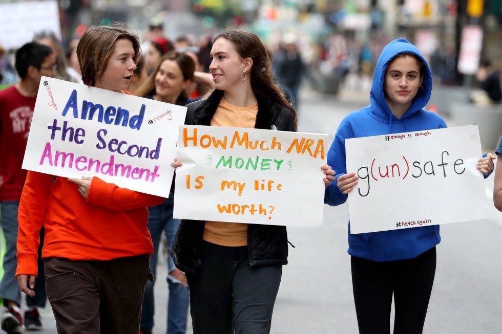 Protestantes en las calles de Los Angeles