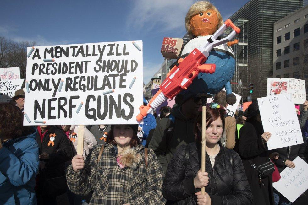 """""""Un presidente mentalmente enfermo solo debería regular armas de gomaespuma"""""""