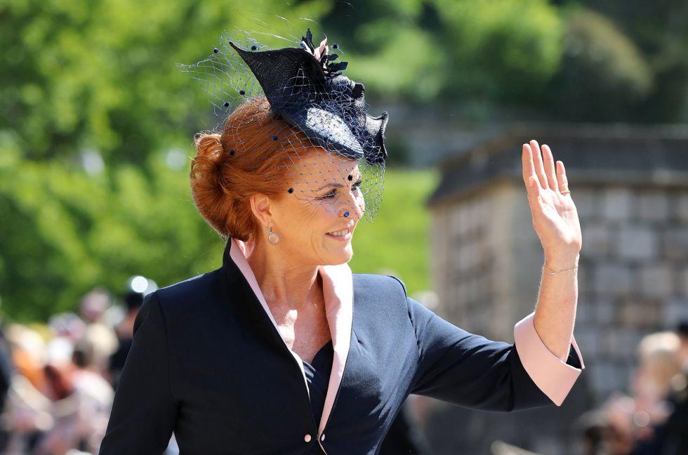 La Duquesa de York llega a la Capilla de San Jorge en el Castillo de Windsor.