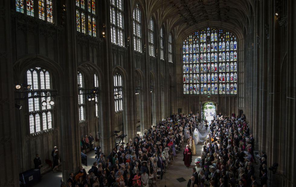 Los invitados en la capilla de San Jorge para asistir al enlace matrimonial.