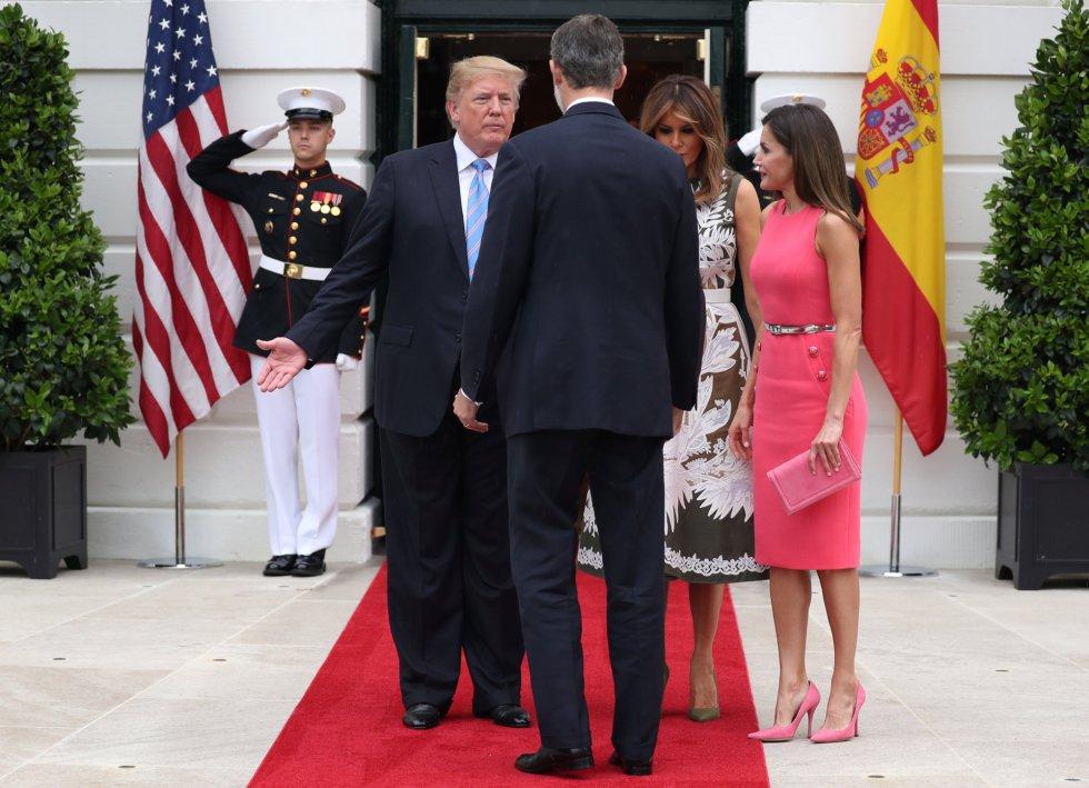 El presidente estadounidense Donald J. Trump y la primera dama Melanie Trump reciben al rey Felipe VI y a la reina Letizia