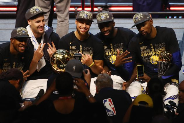 10. Golden State Warriors con un valor de 3,1 mil millónes de dólares