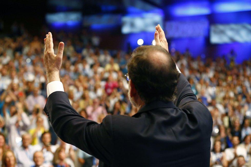 El presidente del Partido Popular, Mariano Rajoy, tras su intervención en el XIX Congreso Nacional del partido que se ha inaugurado hoy en Madrid