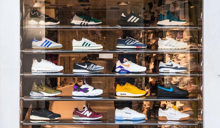 asiático Concurso Implacable  La Policía Nacional advierte sobre los bulos relacionados con marcas como  Adidas o Nike | Ciencia y tecnología | Cadena SER