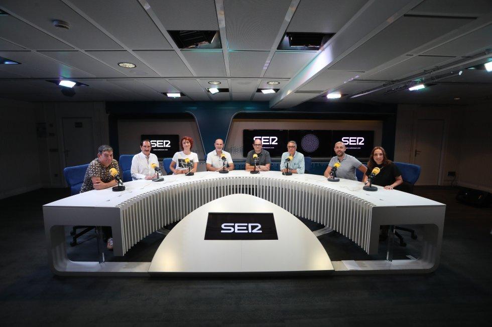 De izquierda a derecha: Javier Torres, Manuel Molés, Celia Blanco, Antonio Martínez, Nacho Ares, Jesús Soria, Pablo Morán y Ana M. Concejo.