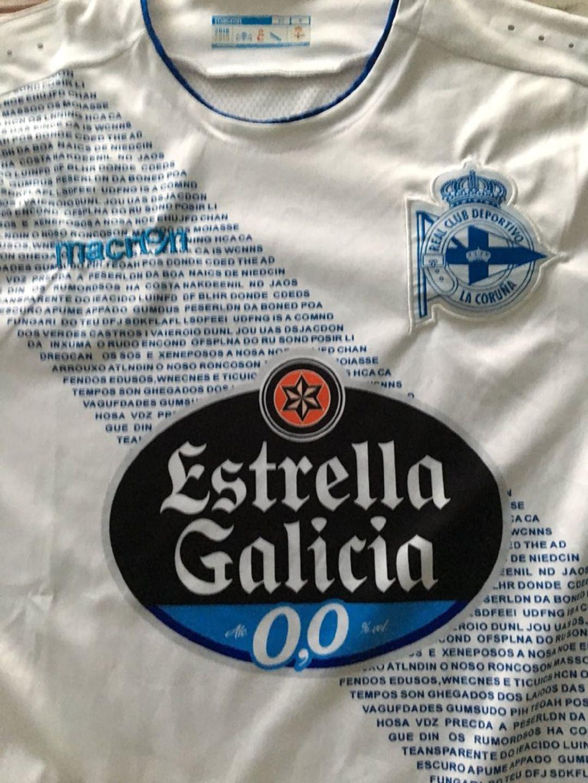 d29edc5e208ec Pide la camiseta del Deportivo de La Coruña por internet y la recibe con  una sorprendente