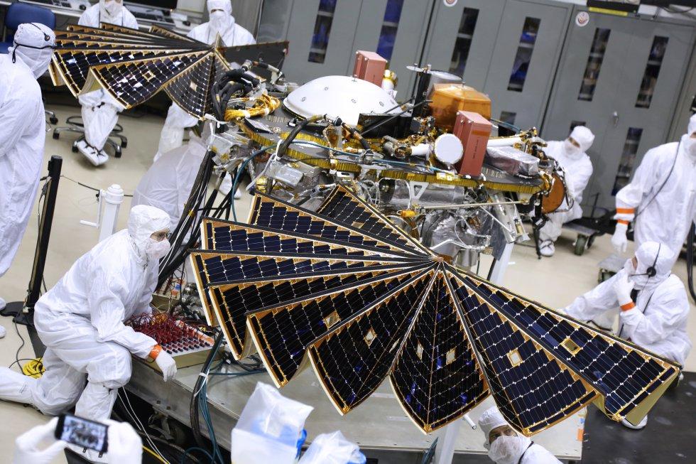 La misión InSight Mars de la NASA ayudará a los científicos a comprender los procesos que dieron forma a los planetas rocosos del sistema solar interior (incluida la Tierra) hace más de cuatro mil millones de años.