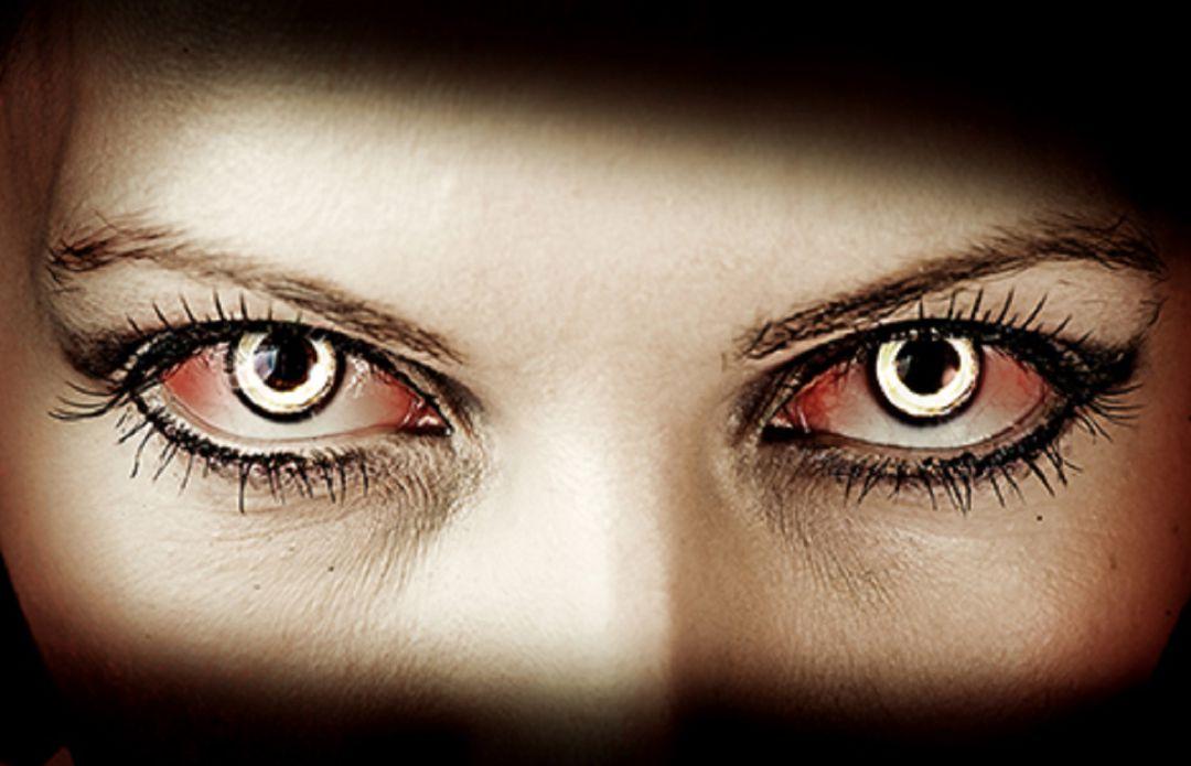 181497e99e Los ópticos advierten del riesgo de usar lentes de contacto cosméticas en  Halloween
