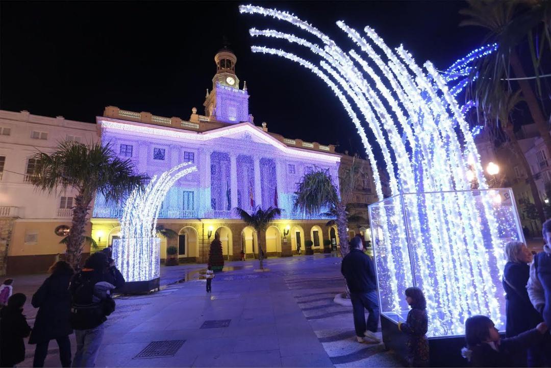 6693147cfa9 Comienza la instalación de las luces de Navidad