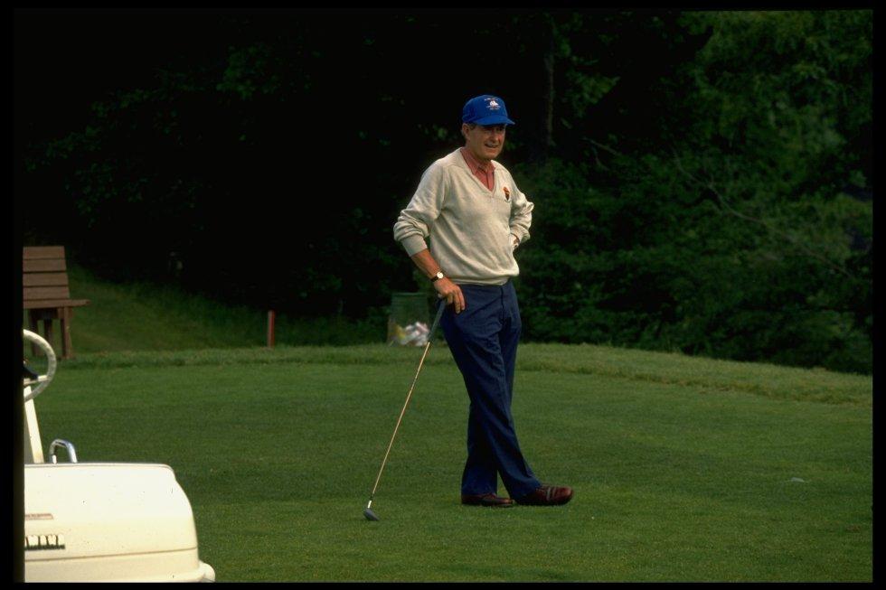 Los dos pasatiempos preferidos del expresidente Bush: jugar al golf,...