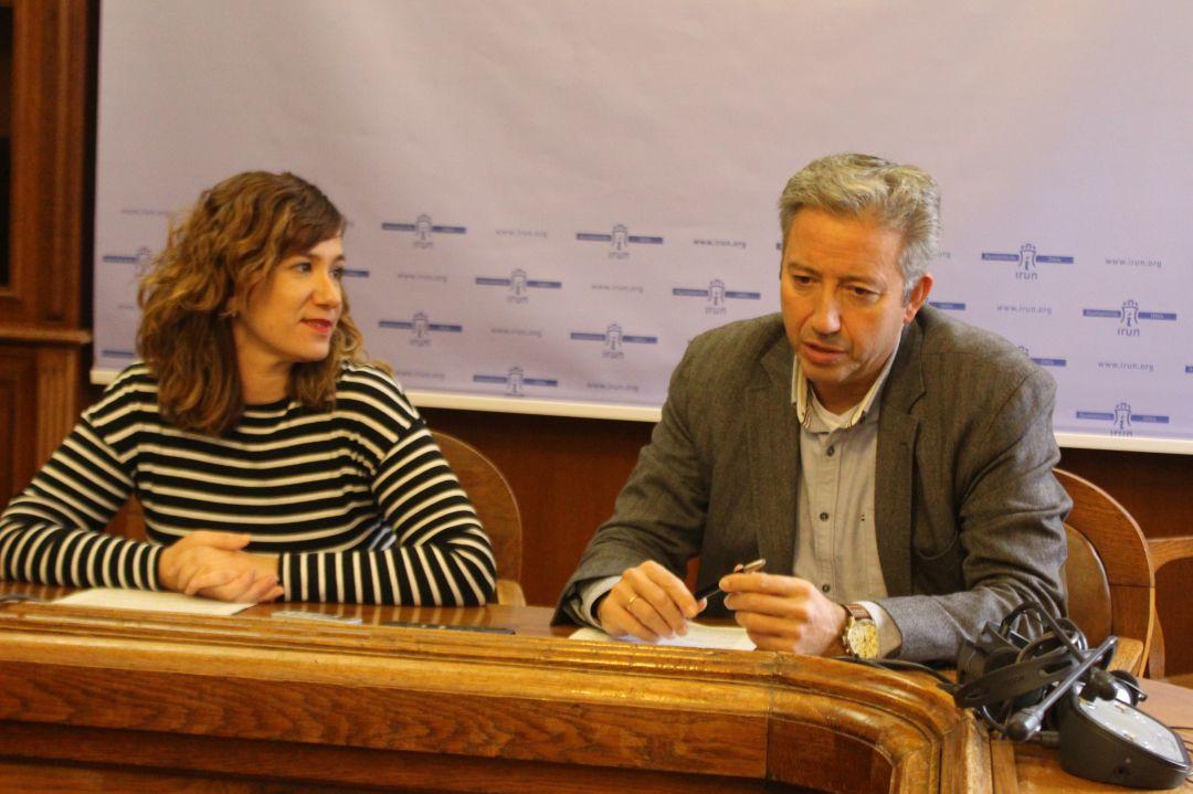 Cristina Laborda, delegada de Vía Pública y obras, y Pedro Alegre, delegado de Participación Ciudadana.