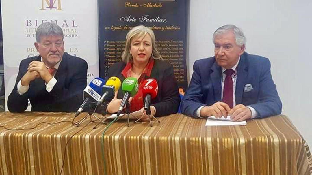 De izquierda a derecha, Gabriel Fernández Rey, Isabel Barriga y Martín Vivas