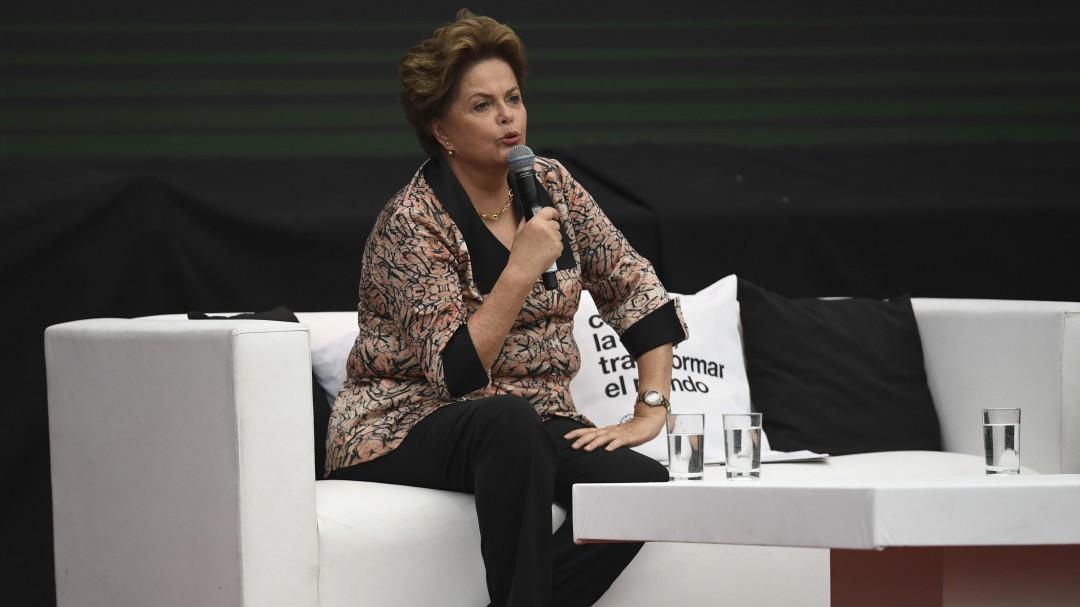 """Dilma Rousseff: """"Bolsonaro no solo quiere ganar, quiere destruir"""""""