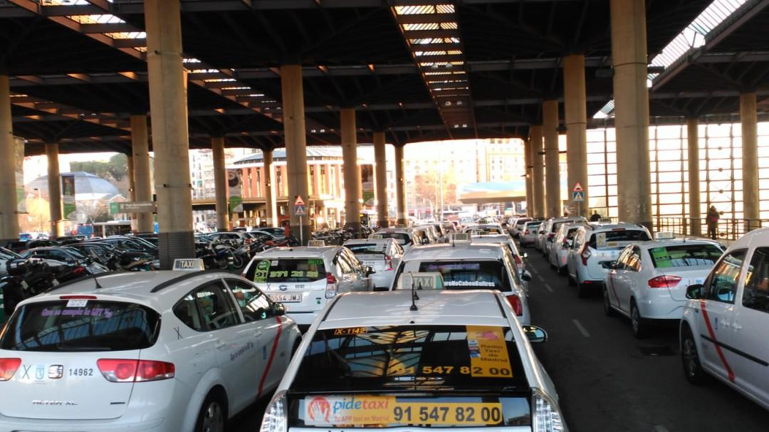 La huelga del taxi sigue: acaba sin acuerdo la reunión con el presidente madrileño