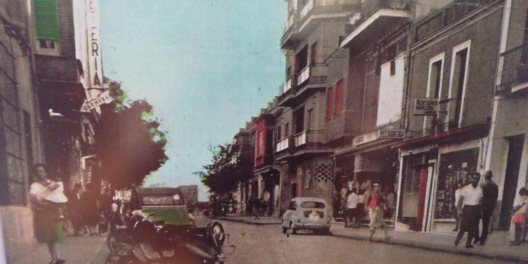 Calendario Del Ano 1965.El Calendario Que Ensena El Ano Que Es Y La Ciudad Que