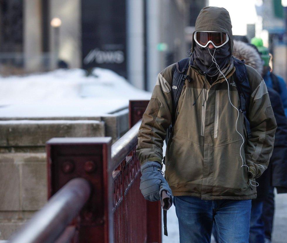 La ola de frío polar que se extiende por partes de Canadá y Estados Unidos volvió a provocar hoy problemas en el sistema de transporte público de Toronto, la mayor ciudad canadiense, mientras en Minesota (EEUU) se recomendó reducir el consumo de gas