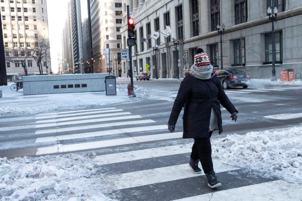 El paso de las quitanieves ha sido esencial para poder circular a pie por la ciudad
