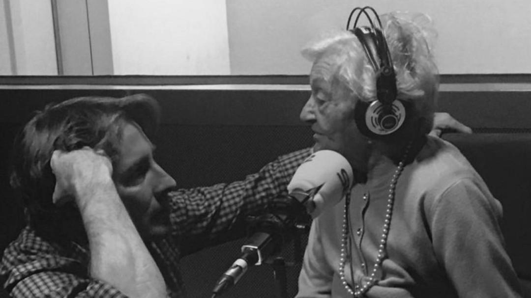 Del Sánchez Javier Periodismo Premio Pino España Por Conchi 'vidas De Internacional Rey Enterradas' Gervasio Cejudo Y dYgYwq