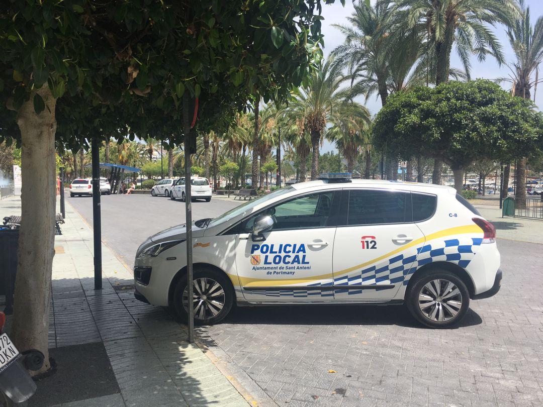 Imagen Archivo Vehículo De Policial Un PZqPw5xr