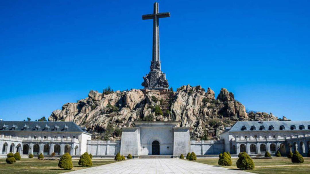 El Gobierno aprueba el último trámite para exhumar los restos de Franco