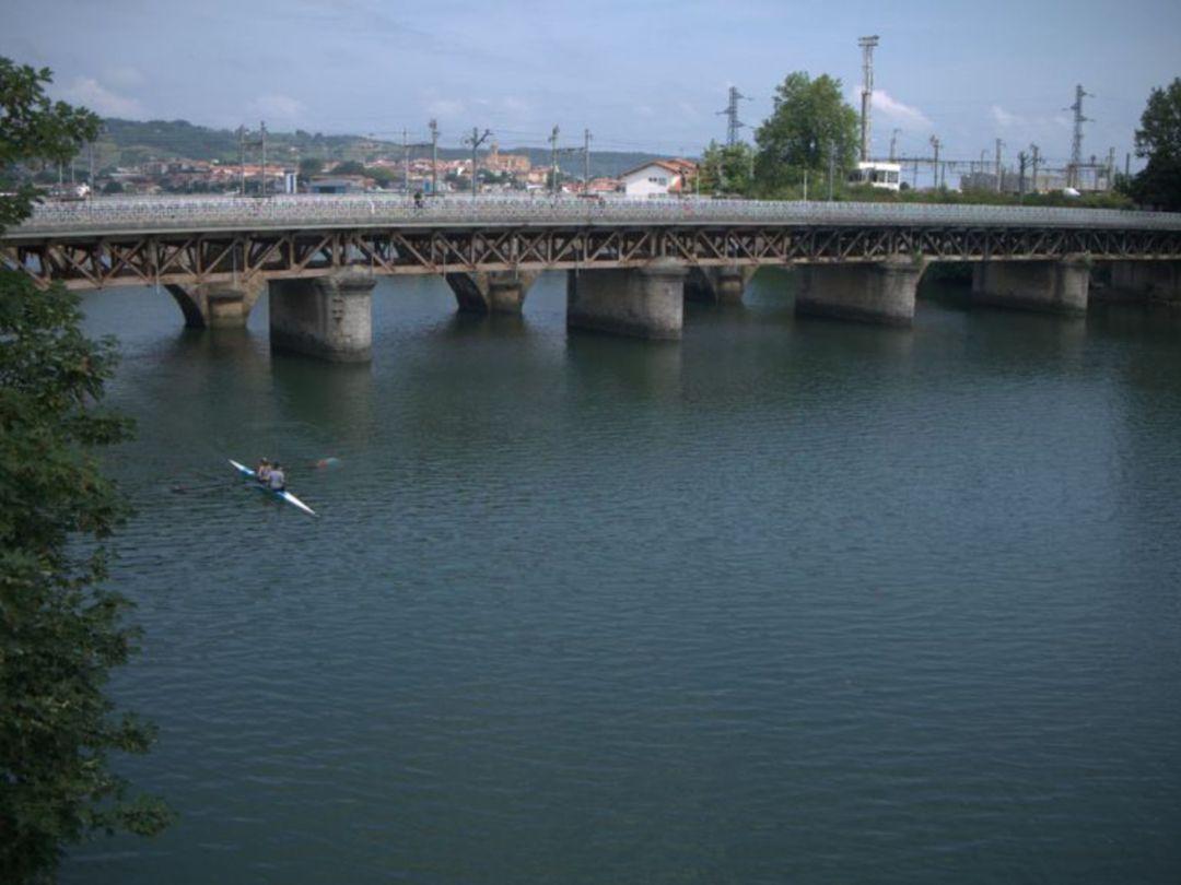 El puente Avenida en el que comienzan las obras de renovación y consolidación de la estructura.